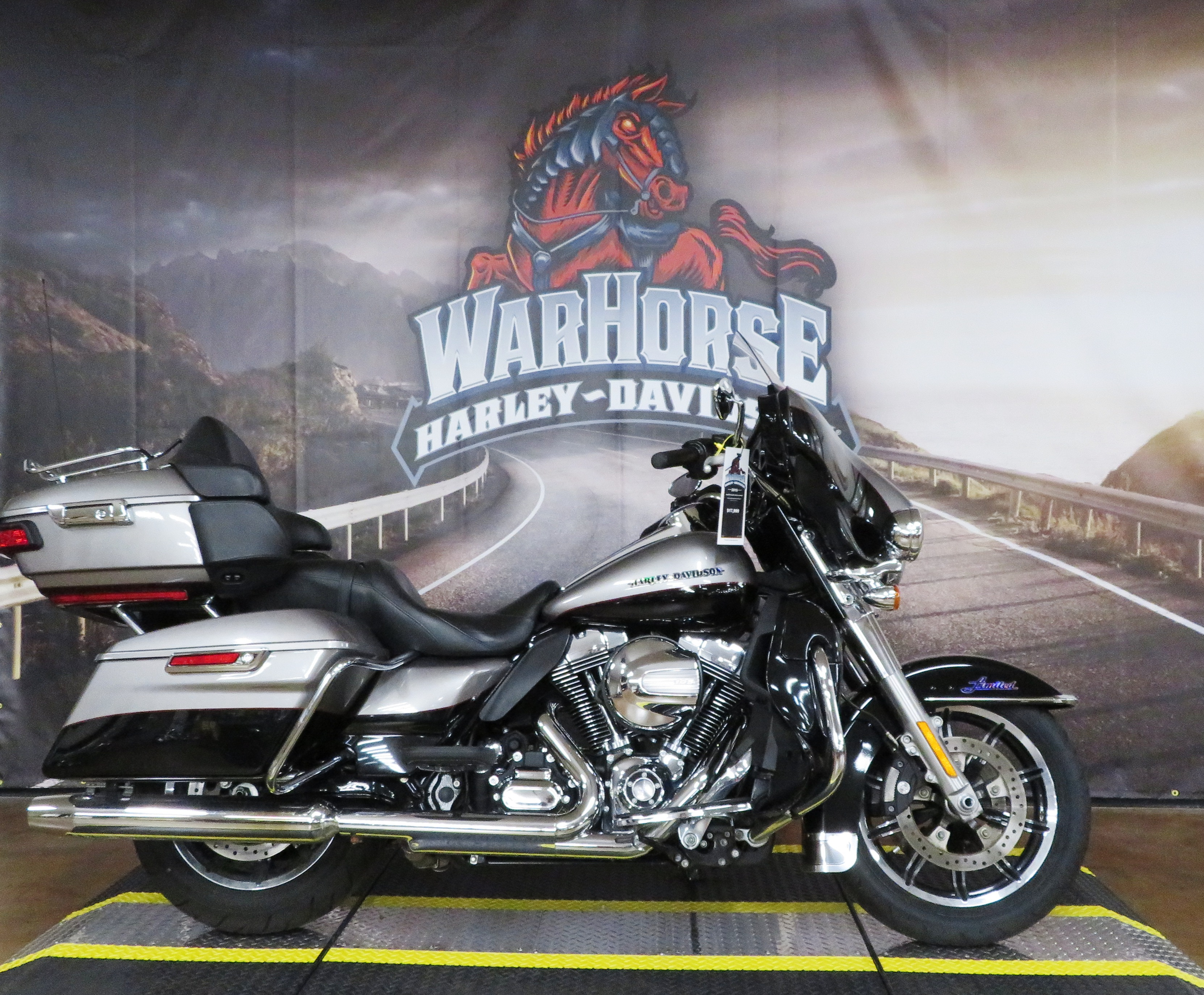 Pre-Owned 2016 Harley-Davidson Ultra Limited